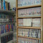 水戸の見川カイロ内の本棚